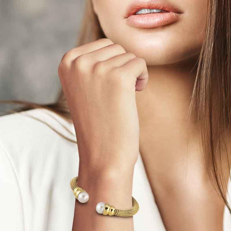 Golden Sophistication Pearl Bracelet 2360 001 8 3