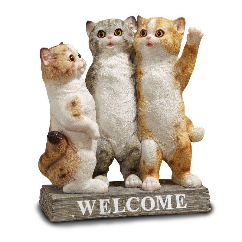 hello kittens sculpture UK HKTNS a main